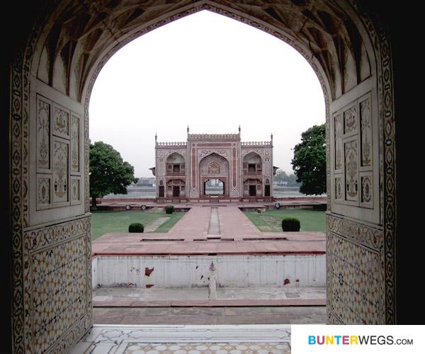 Indien* Erster Stopp: Agra, please*