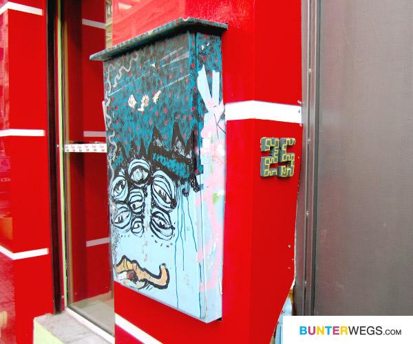 Kreative Hausnummer in Sofia, Bulgarien* auf BUNTERwegs.com