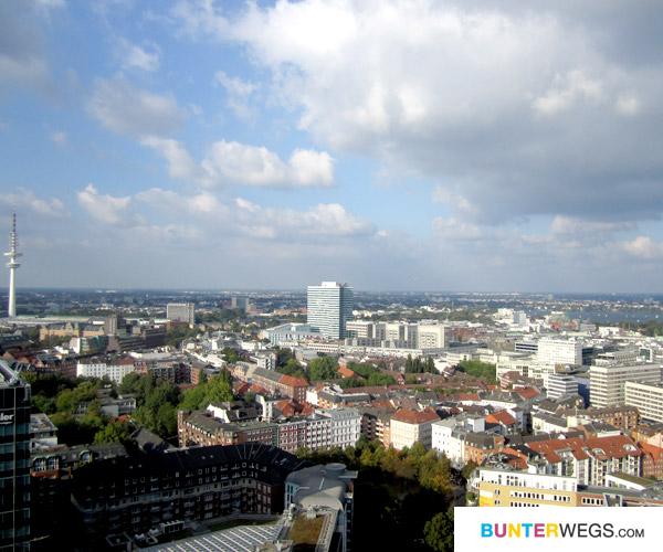 Blick vom St. Michaelis über Hamburg