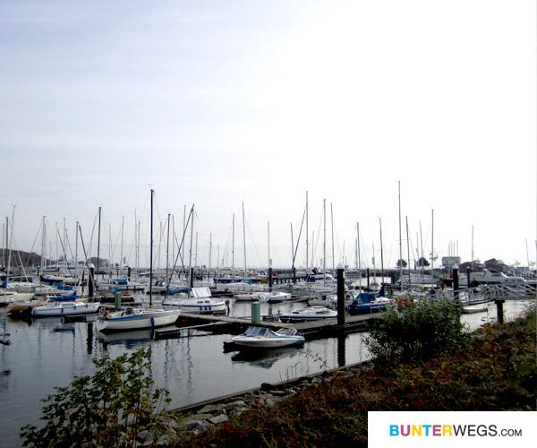 Hafen an der Ostsee in Deutschland / BUNTERwegs.com