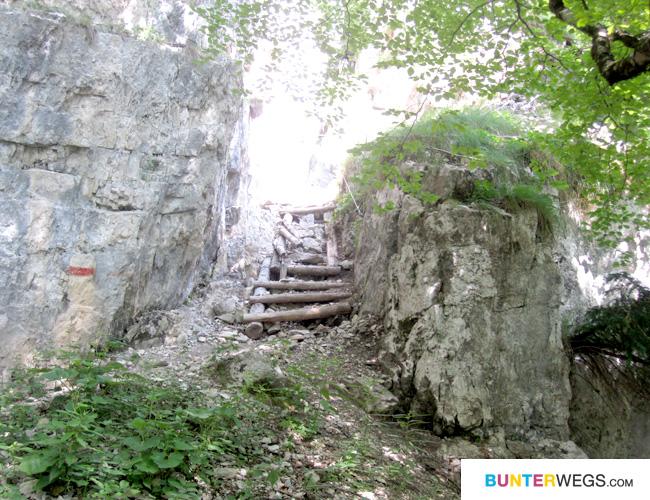 Wanderweg in Molveno, Trentino