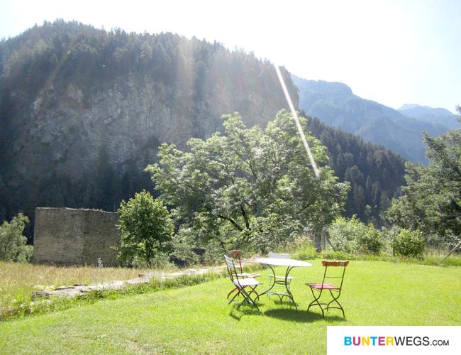 """Burganlage """"Hohe Rätien"""" * Via Spluga * Graubünden, Schweiz"""