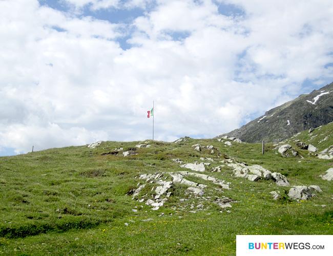 Splügenpass * Die Grenze Schweiz / Italien
