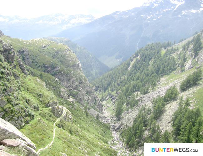 Die Cardinello-Schlucht auf der Via Spluga * BUNTERwegs.com