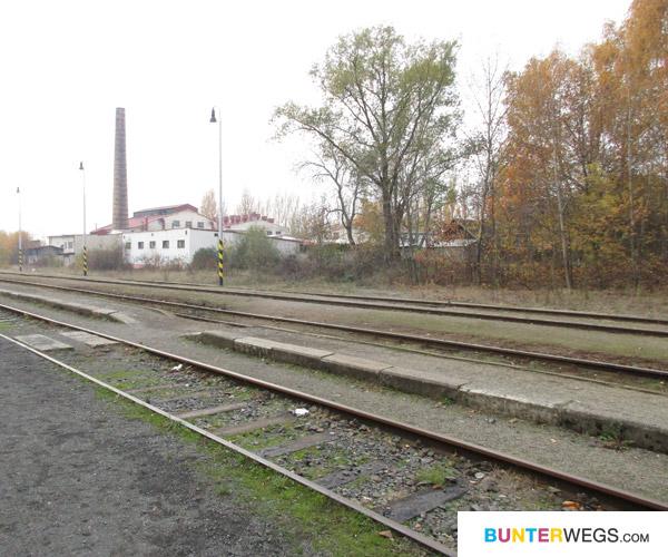 Bahngleisen in Novy Bor, Tschechien * BUNTERwegs