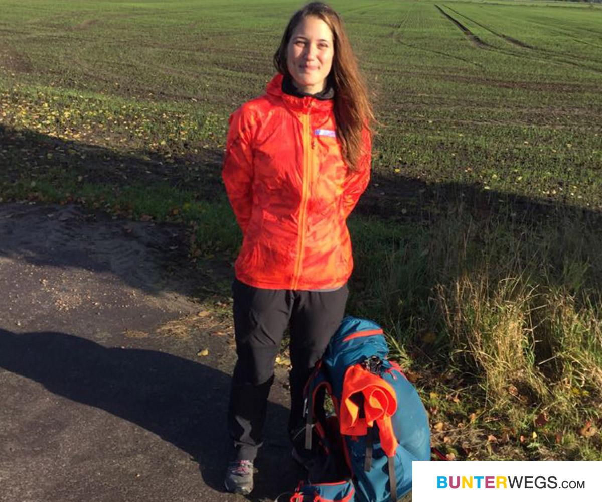 Jessie von BUNTERwegs.com und ihr Gepäck #bunterwegs2nepal
