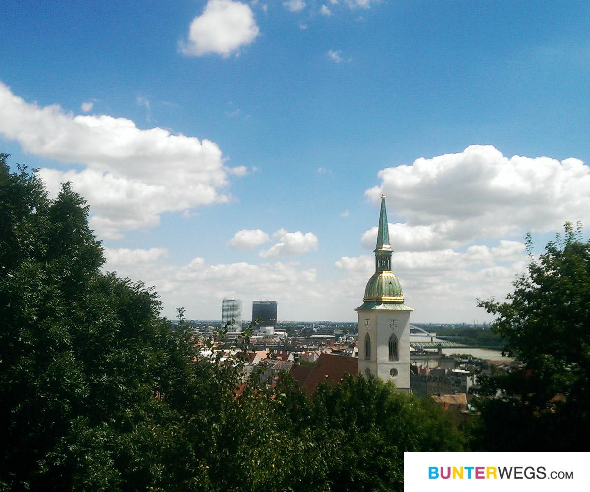 Aussicht von der Burg Bratislava * BUNTERwegs. Der Outdoorblog für Frauen mit Liebe zum Wandern und zur Street Art