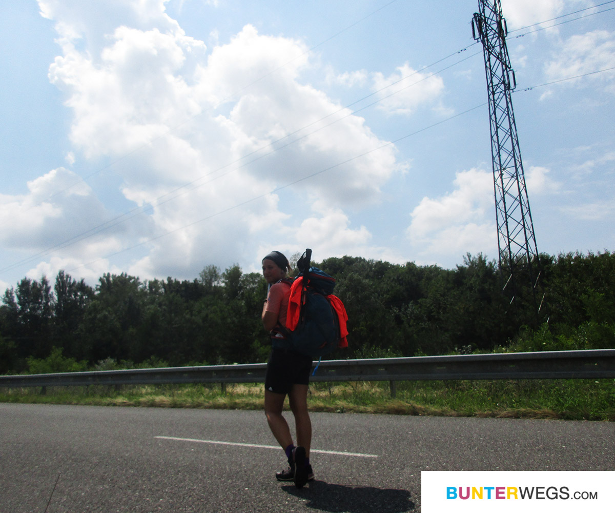 bunterwegs2nepal: Der Euro Velo 6 kurz hinter Bratislava, Slowakei * BUNTERwegs. Der Outdoor Blog für Frauen mit Liebe zum Wandern und zur Street Art