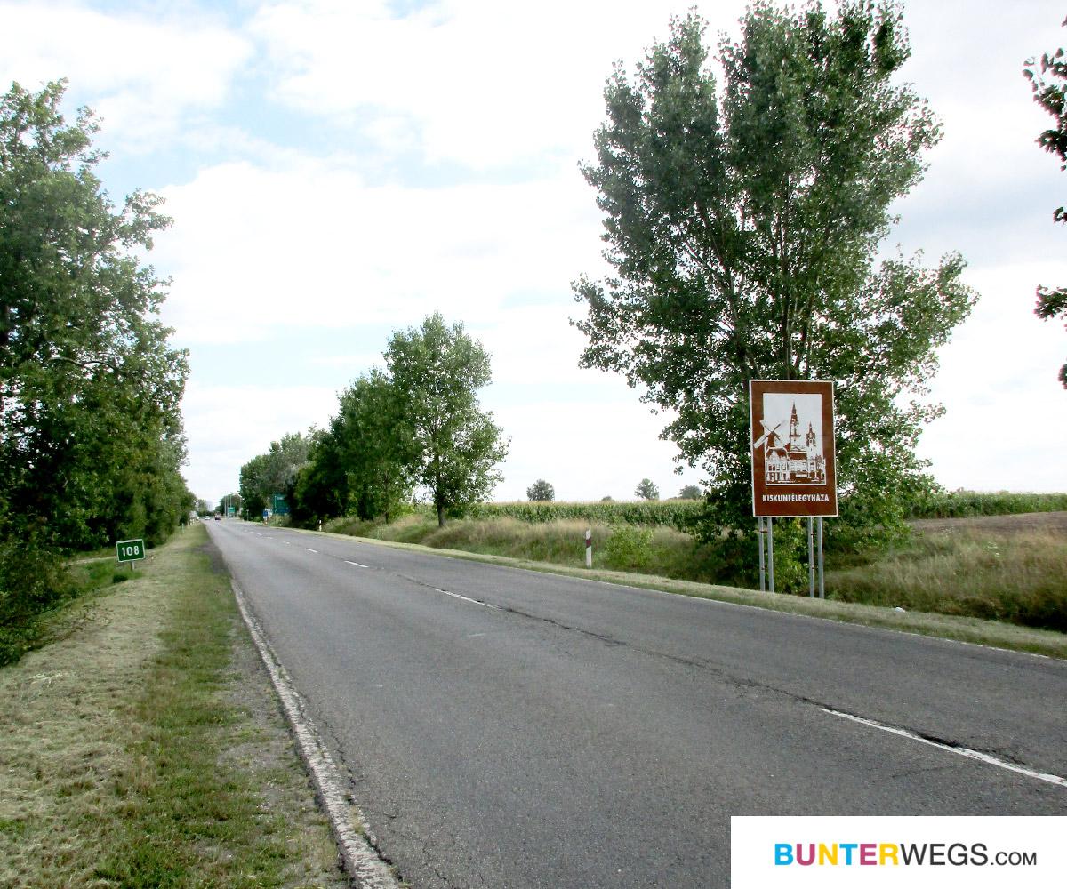 Tolle Strecke und tolles Wetter zwischen Kecskemét und Kiskunfélegyháza, Ungarn * BUNTERwegs. Der Outdoor Blog für Frauen mit Liebe zum Wandern und zur Street Art