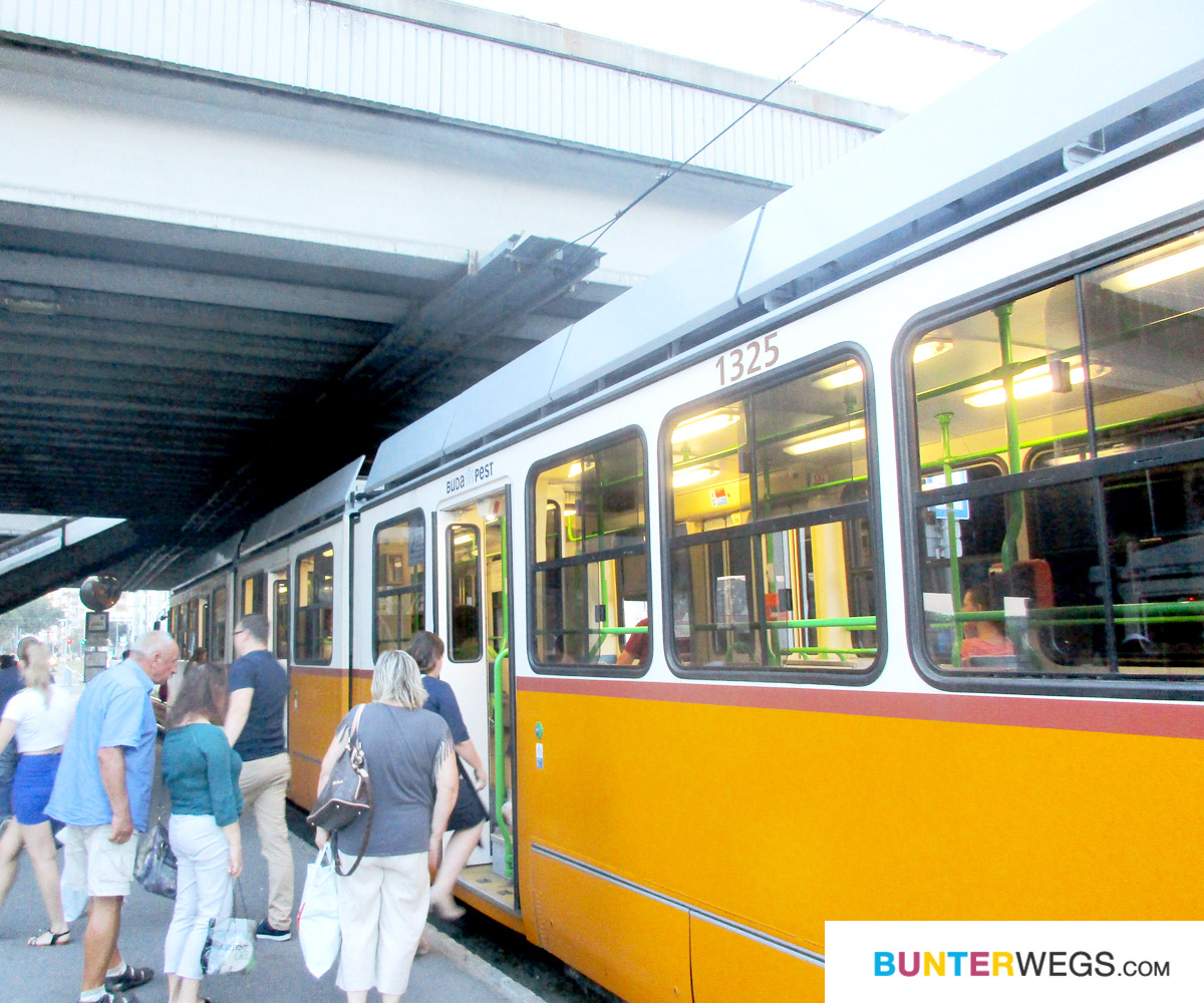 Tram in Budapest, Ungarn * BUNTERwegs. Der Outdoor Blog mit Liebe zum Wandern und zur Street Art