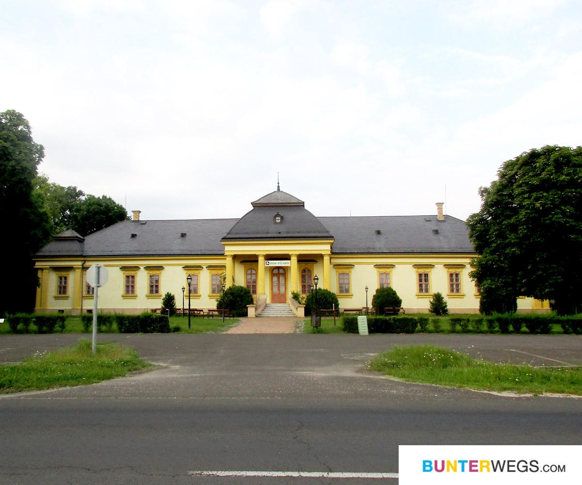 Zwischen Örkeny and Lajosmisze, Ungarn * BUNTERwegs. Der Outdoor Blog für Frauen mit Liebe zum Wandern und zur Street Art