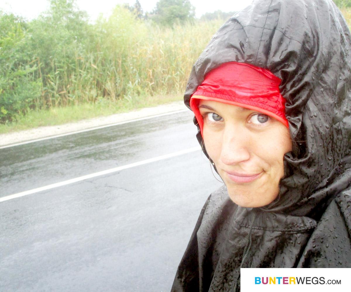 Jessie von BUNTERwegs auf ihrer Wanderung von Deutschland nach Nepal. Nicht immer ist alles toll ;) * BUNTERwegs. der Outdoor Blog mit Liebe zum Wandern und zur Street Art