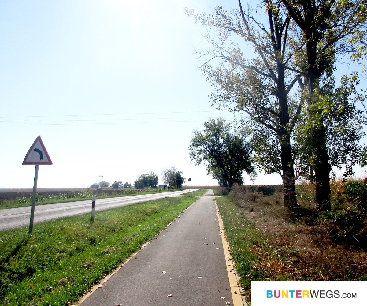 Von Makó, Ungarn nach Nădlac, Rumänien: Immer happy über Radwege * BUNTERwegs. Der Outdoor Blog für Frauen mit Liebe zum Wandern und zur Street Art