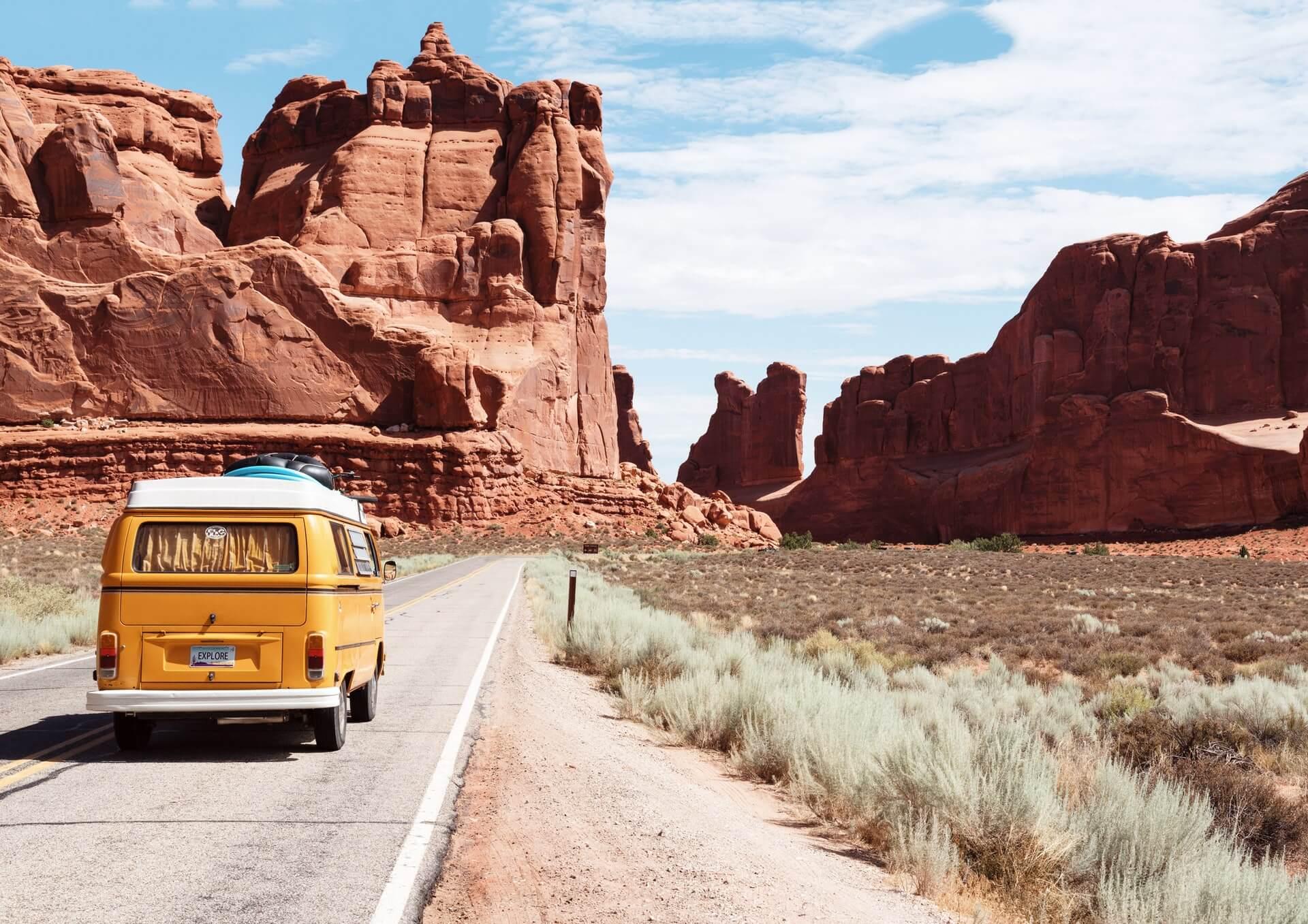 Road Trip Songs für deinen nächsten Urlaub mit dem Auto / Van / Camper (Road Trip Playlist)
